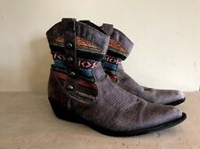 Madden Girl Slaterr Short Gray Cowboy Aztec Boots Fabric Top Size 7.5 Booties