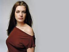 Anne Hathaway Unsigned 8x10 Photo (71)