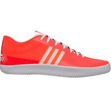 Chaussures rouges adidas pour fitness, athlétisme et yoga