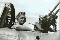 WW II - USA -Photo --   Gunner Of SBD Dauntless