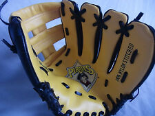 Pirates Black Yellow Baseball Softball Glove Boy Girl RH Ball Thrower  MLB1994