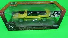 1:18 HIGHWAY 61 50469 1970 DODGE CHALLENGER 440 6 PACK YELLOW BLACK STRIPE CAR