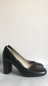 Ladies Clarks Narrative Black Leather Court Shoes Size 4.5 D/37.5