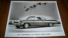 1961   OLDSMOBILE F-85 CUTLASS  SPORTS COUPE  ORIGINAL  FACTORY PRESS PHOTO