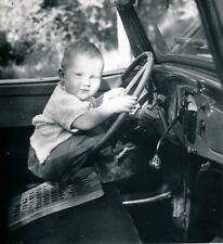 Auto c. 1950 - Enfant Volant Automobile - DIV 12086