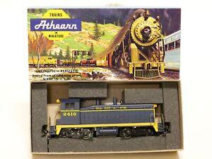 Athearn Trains HO Santa Fe Powered SW7 Diesel Switcher Locomotive Engine 2418