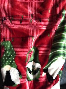 NWT Holiday Christmas Gnomes Family Red Soft Plush Throw Blanket 50 x 70