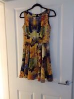 TFNC LONDON DITSY YELLOW BLUE ABSTRACT FLORAL SWING DRESS SIZE SMALL