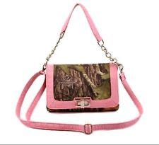 Mossy Oak Licensed Messenger Bag Pink Trim