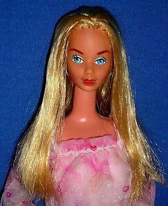 Vintage 1979 Mattel Superstar Era Kissing Barbie Doll & Original Dress