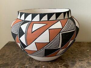 Native American Acoma NR Geometrical Pottery Bowl