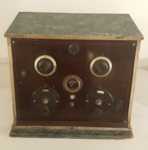 Antique Early STERLING MFG. CO. Tube Radio Table Radio