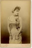 Nadar, Paris, actrice, à identifier Vintage albumen print. Carte Cabinet Tirag