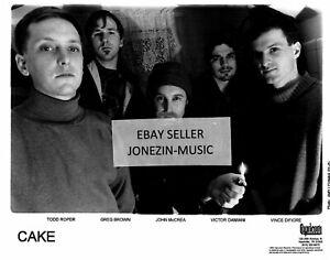 Cakeofficial 8x10 inch b&w band promo/publicity/press photo 1995 MINT Capricorn