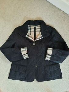 Burberry Black and Nova Check Quilted Jacket in a Size XL - GC