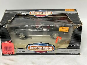 1/18 ERTL American Muscle American 1963 Corvette Sting Ray Coupe in Black JD378
