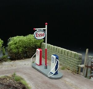 Dinky Toys 1/43 Scale Model Diecast Esso Refueling Gas Petrol Pump Station Mint