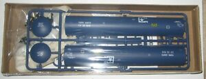HO WALTHERS 932-5253 -  65' LPG TANK CAR KIT- Rd # TAPX 33073