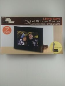 "New Digital Picture Frame Ultra Slim 7"" Color LCD + Remote & Clock + Card Reader"
