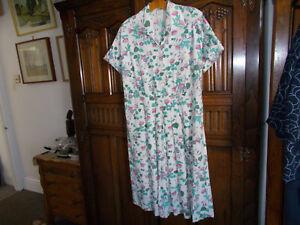 Vintage 1940s dress utility mark CC41 Size L size 16-18 good condition