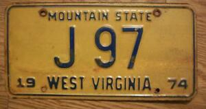 SINGLE WEST VIRGINIA LICENSE PLATE - 1974 - J 97 - MOUNTAIN STATE