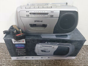 Groove Retro Series portable cassette player and Radio - Silver