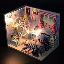 Kit DIY Dollhouse Maison de Poupée Bois Miniature LED Lumière Déco Cadeau Enfant