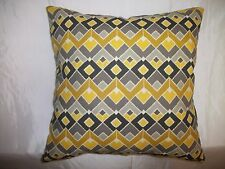 "2 DECORATIVE THROW PILLOW CUSHION COVERS 17"" INDOOR OUTDOOR ZIG ZAG"
