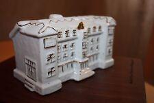 Keramikhaus aus der Serie Weihnachtsdorf das Schloss für Teelicht ART Collection