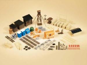 Auhagen 42652 HO Gauge Accessories Treasure Chest Plastic Kit