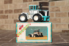BIG BUD Toy Farmer 1/32  370 Bafus Blue #2 in set of 4