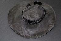 VINTAGE 1950'S-1960'S BLACK HAT  BLACK VELVET BOW 22