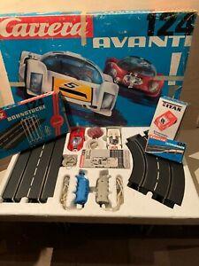 Carrera Komplett Set Avanti 124 mit Brückenstücke, Leitplanken und Titan Trafo.