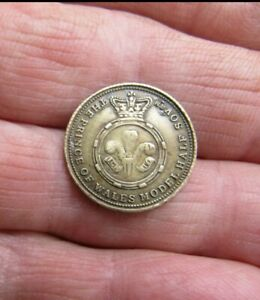 Very Rare  VICTORIAN PRINCE OF WALES MODEL HALF SOVEREIGN NO DATE VGC