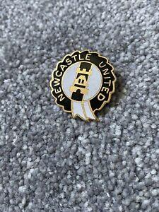 Vintage Newcastle United Enamel Coffer Badge