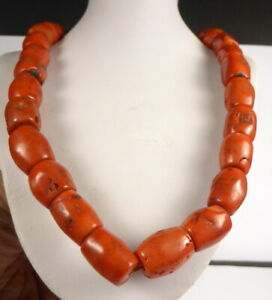 OLD TIBETAN REAL CORAL BEAD NECKLACE. 25 BEADS.