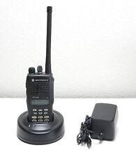 MOTOROLA HT1250 VHF PORTABLE RADIO AAH25KDH9AA6AN HT 1250 2-Way 128ch 136-174mhz