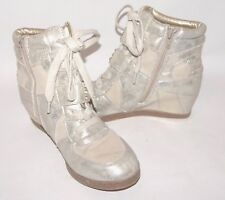 733eaad354e Steve Madden Wedge Cream Metallic Punk Goth Sneakers Boots Shoes Beaded  Size 5