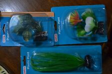 PETCO AQUARIUM 3 LOT PLASTIC PLANT ASSORTMENT - 2  FOREGROUND 1 GREEN MIDGROUND