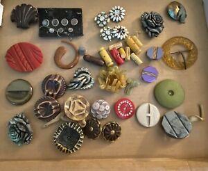 BIG Lot 13+ Pounds Vintage Buttons, Bakelite, Military, Metal. Glass, Wood Etc.