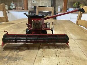 Britains Ertl Case IH Axial Flow 8230 Combine Harvester 1:32Scale Model 42884