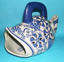 Chinese Blu/Bianco Ceramica-RARO Pesce a forma di tabella Pezzo. completamente segnato.