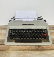 Vintage Olivetti Studio 45 Manual Typewriter w/ Case  { TESTED WORKING }