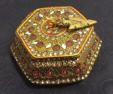 Vintage Jewelry, Trinket or Pill Box.