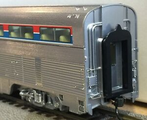 Walthers HO Metal Plated AMTRAK Phase 1 85' Budd Hi-Level Diner New