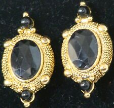 NEW 1981 Vintage CAMEO Style EARRINGS Blk & GOLDTONE Clip-On 212 $18 Retail 1981