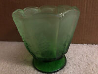 VTG Indiana Green Glass Grapevine Design Footed Compote Bowl Candy Dish Planter