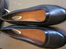 NEW $70  HUSH PUPPIES  WOMENS SLIP ON  SHOES FLATS BLACK LEATHER  6M