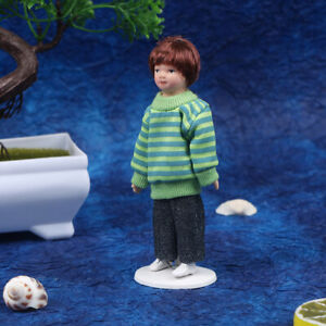 1:12 Doll House Victorian Ceramic Doll Model Movable Green Sweater B.hu