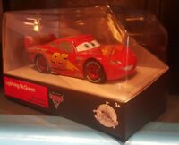 Voiture en Métal / Die Cast Car CARS 3 Lightning McQueen Disney Store
